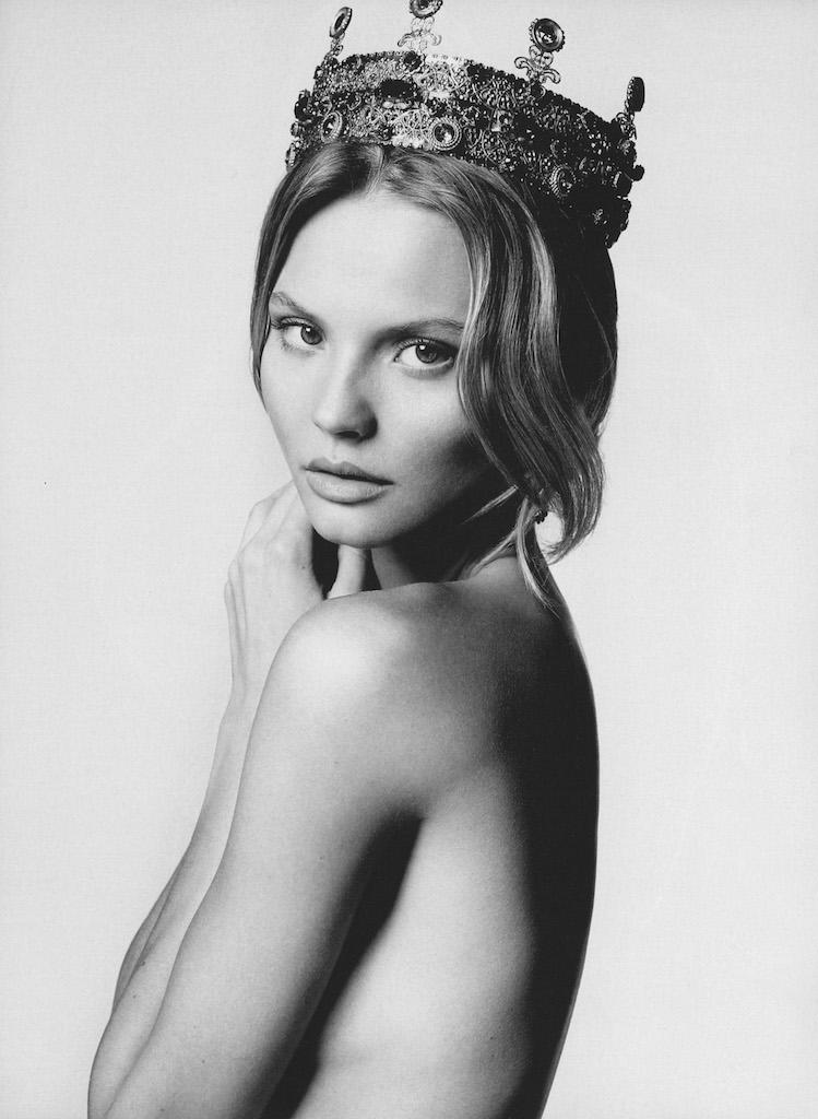 Elle / Magdalena Frąckowiak